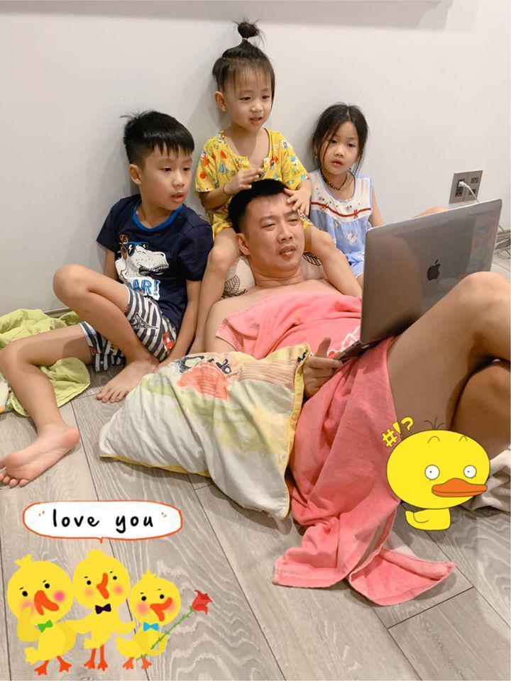 Mẹ 3 con Ốc Thanh Vân méo mặt vì bài vở của con ngày dịch, nhìn lịch học mà choáng-4