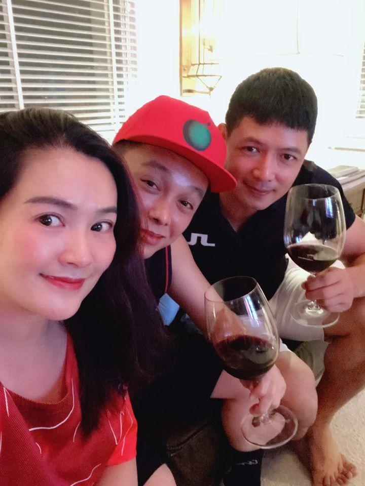 Bà xã Bình Minh được người đàn ông đặc biệt vào bếp nấu ăn chúc mừng sinh nhật-2
