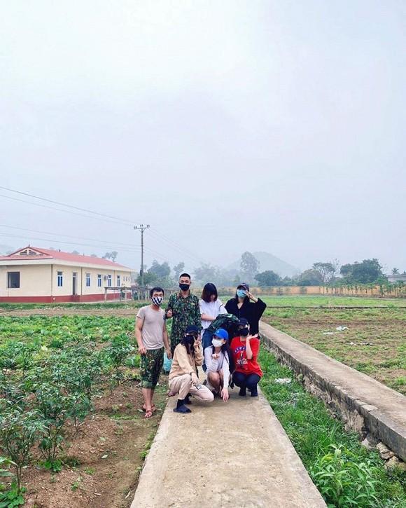 Tinh thần đẹp của quân và dân trong khu cách ly tại Hà Tĩnh-2