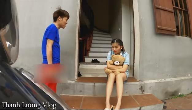 Xông xáo xuất hiện trong clip của em gái, ai ngờ con trai bà Tân Vlog... lộ hàng kém duyên-2