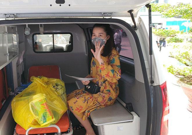 Clip: 3 bệnh nhân Covid-19 ở Đà Nẵng vui mừng xuất viện, Việt Nam đã chữa khỏi 20 ca-1