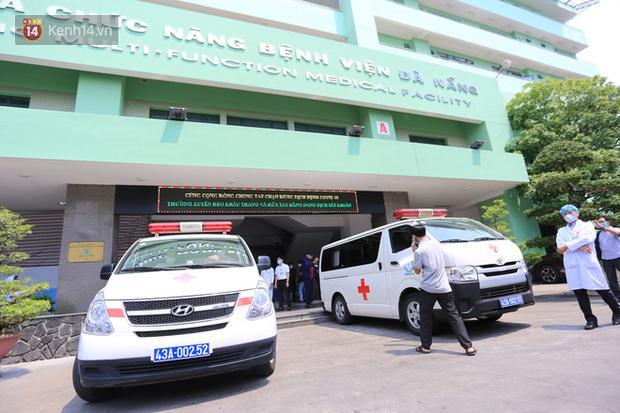 Clip: 3 bệnh nhân Covid-19 ở Đà Nẵng vui mừng xuất viện, Việt Nam đã chữa khỏi 20 ca-6