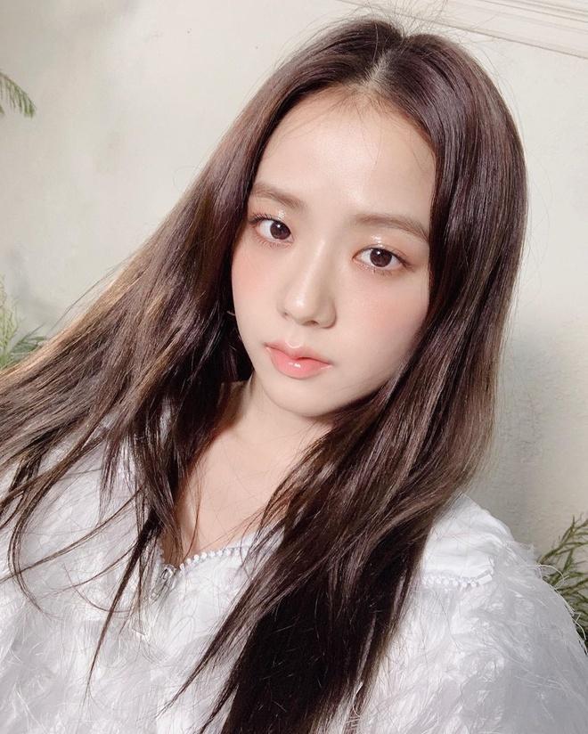 6 công thức phối đồ sang như Jennie và các sao Hàn-6
