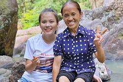 Vừa ra mắt kênh Youtube con gái bà Tân Vlog cực hút view, 'lăm le' soán ngôi đầu của mẹ