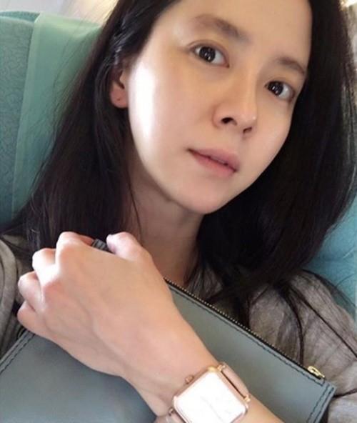 Để mặt mộc vẫn nổi bần bật, mợ ngố Song Ji Hyo khẳng định đẳng cấp đẹp tự nhiên-1