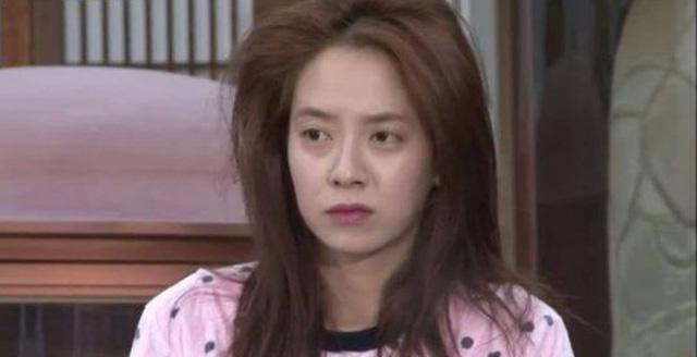 Để mặt mộc vẫn nổi bần bật, mợ ngố Song Ji Hyo khẳng định đẳng cấp đẹp tự nhiên-3