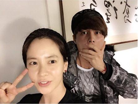 Để mặt mộc vẫn nổi bần bật, mợ ngố Song Ji Hyo khẳng định đẳng cấp đẹp tự nhiên-11