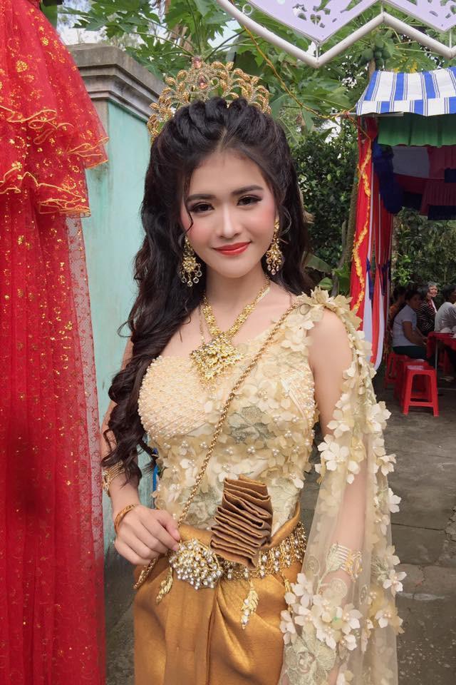 Sau 2 năm náo loạn MXH vì ngoại hình xinh đẹp, cô dâu Khmer ở Sóc Trăng giờ sống ra sao?-2