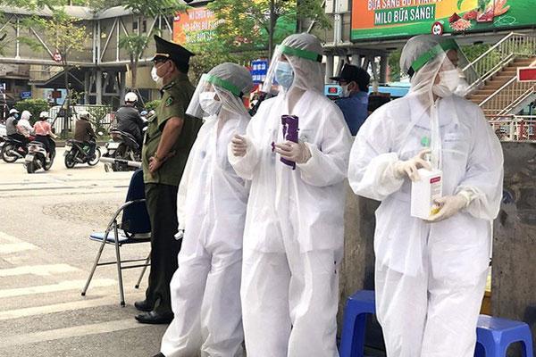 BV Bạch Mai ngưng đón bệnh nhân, cách ly toàn bệnh viện-1