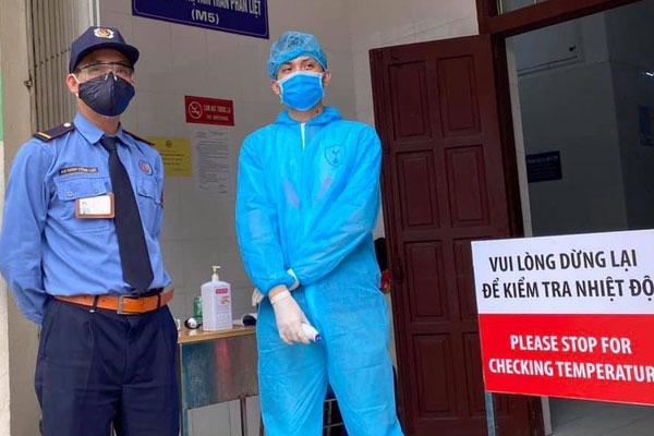 Thêm 5 ca nhiễm Covid-19 nâng tổng số lên 174, trong đó 1 người làm việc tại nhà ăn Bệnh viện Bạch Mai-1