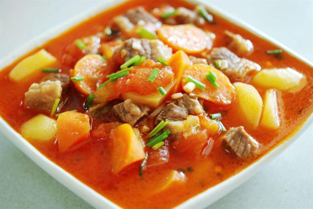 Cuối tuần làm ngay một nồi bò om khoai tây cà chua tuyệt ngon, cơm nấu bao nhiêu cũng hết-4