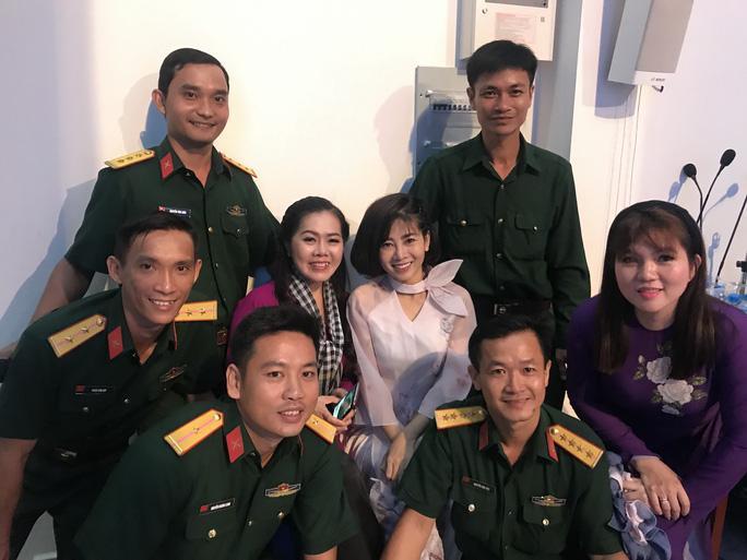 Không chỉ đóng phim giỏi, Mai Phương còn là ca sĩ có giọng hát đẹp trước khi qua đời vì ung thư phổi-6