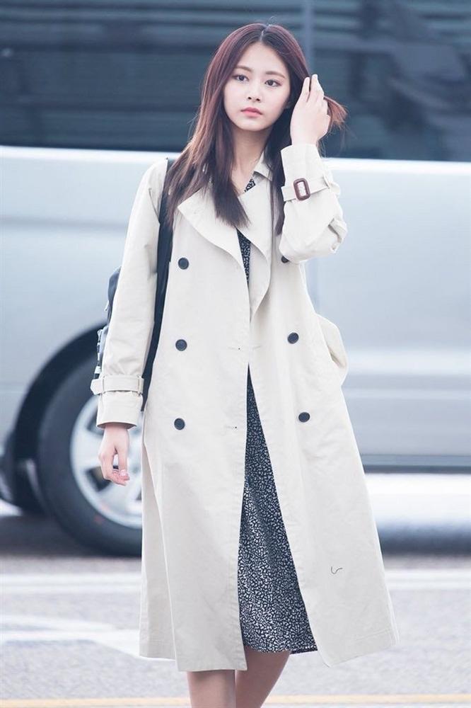 7 sao Hàn Quốc nào được khen mặc áo khoác dài đẹp nhất?-4