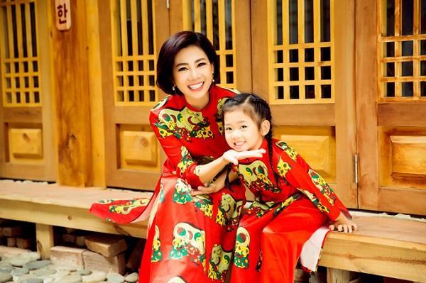 Những khoảnh khắc ấm áp tình mẫu tử của Mai Phương và con gái 7 tuổi-2