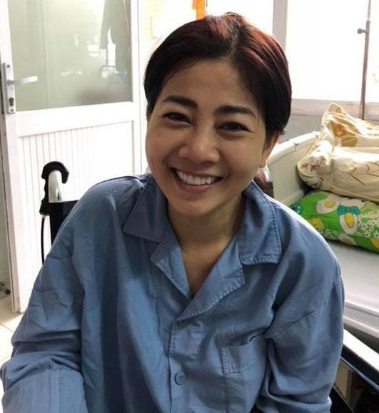 Bị ung thư hành hạ hơn 1 năm nhưng nụ cười lạc quan trên môi Mai Phương chưa bao giờ tắt-11