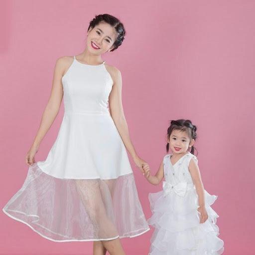 Những khoảnh khắc ấm áp tình mẫu tử của Mai Phương và con gái 7 tuổi-10