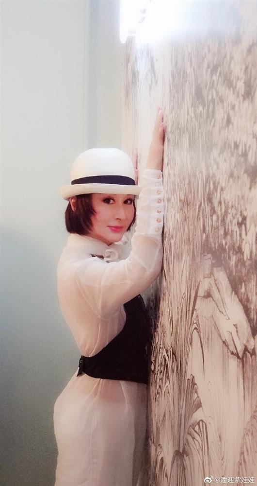 Tiểu long nữ đẹp nhất màn ảnh: bị chồng phản bội, làm lại sự nghiệp từ 2 bàn tay trắng, nhan sắc trẻ trung ở tuổi 71-10