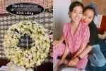 Ốc Thanh Vân nghẹn đắng khi nhìn lẵng hoa viếng của ngôi trường con gái Mai Phương đang theo học