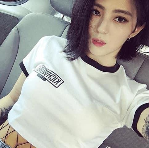 Bản sao Song Hye Kyo phì phèo hút thuốc nhưng lại được cư dân mạng Hàn khen quá ngầu-9