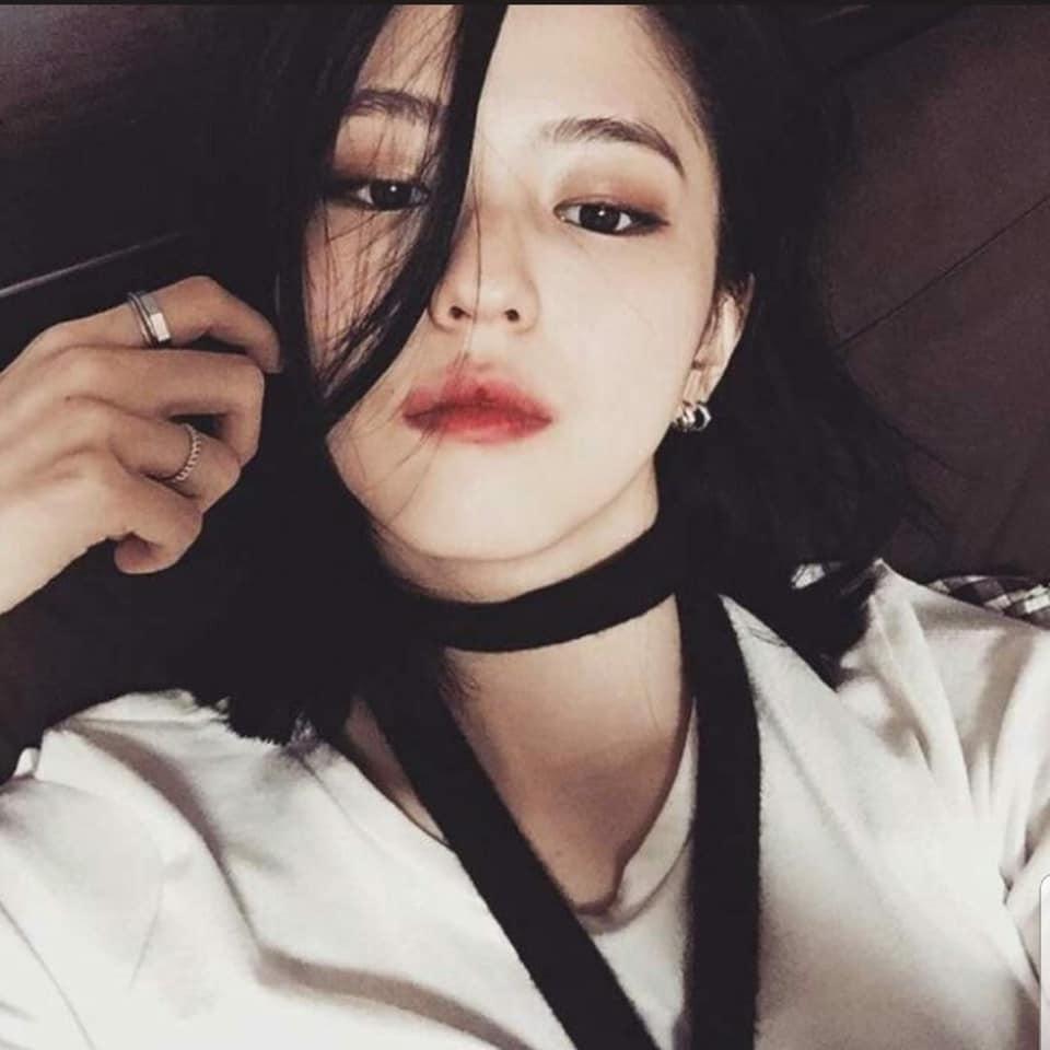 Bản sao Song Hye Kyo phì phèo hút thuốc nhưng lại được cư dân mạng Hàn khen quá ngầu-11