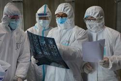 Hàn Quốc: Cả gia đình tái nhiễm COVID-19 sau khi xuất viện được 10 ngày