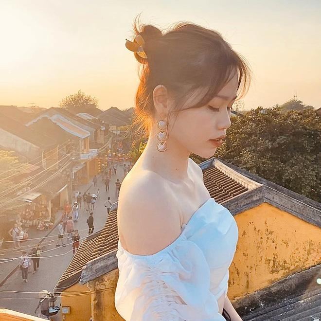 Gái xinh khiến Quang Hải - Nhật Lê bị đồn chia tay khi vừa tái hợp: Giỏi thả thính, là du học sinh Singapore-3