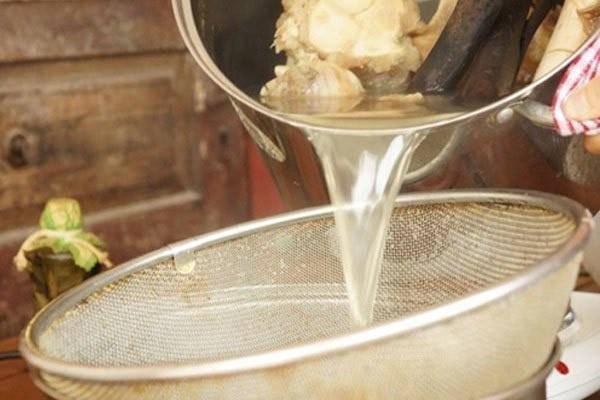 Hầm xương theo cách kỳ lạ này, nước sẽ trong vắt, ngọt lừ, càng nấu càng ngon-4