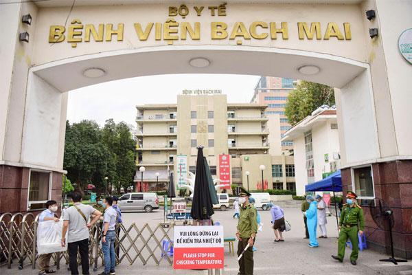 Hà Nội: Vợ nhân viên nhà ăn của Bệnh viện Bạch Mai dương tính Covid-19-1