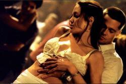Sốc với tiết lộ Angelina Jolie cố tình không mặc nội y để quyến rũ Brad Pitt khi đóng chung cảnh giường chiếu