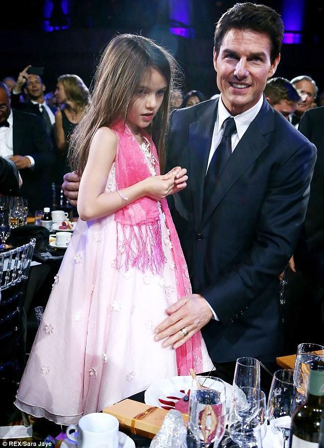 Quá cuồng tín giáo phái Scientology, tài tử lừng lẫy Tom Cruise 3 lần tự phá nát hôn nhân, nhiều năm không thăm con cái-3