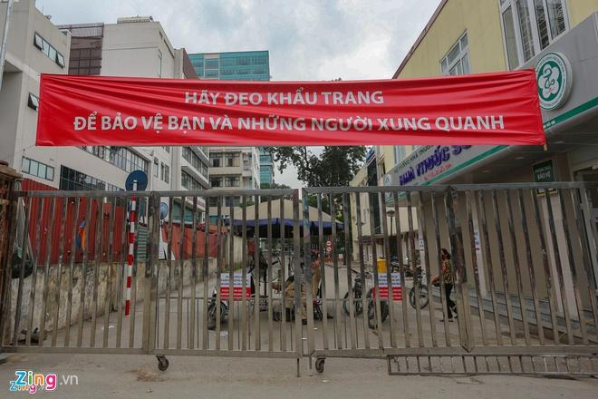 Dân mạng viết thư tay, gửi quà ủng hộ y bác sĩ tại bệnh viện Bạch Mai-2