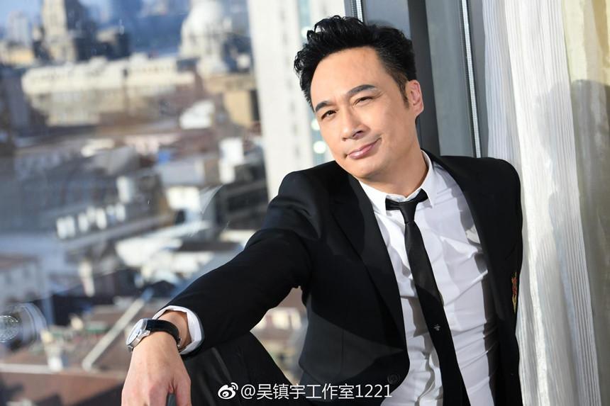 Lão điên của màn ảnh Hong Kong: đi lên từ vai ác, ngồi tù vì ăn trộm, đánh nhau bảo vệ vợ-5