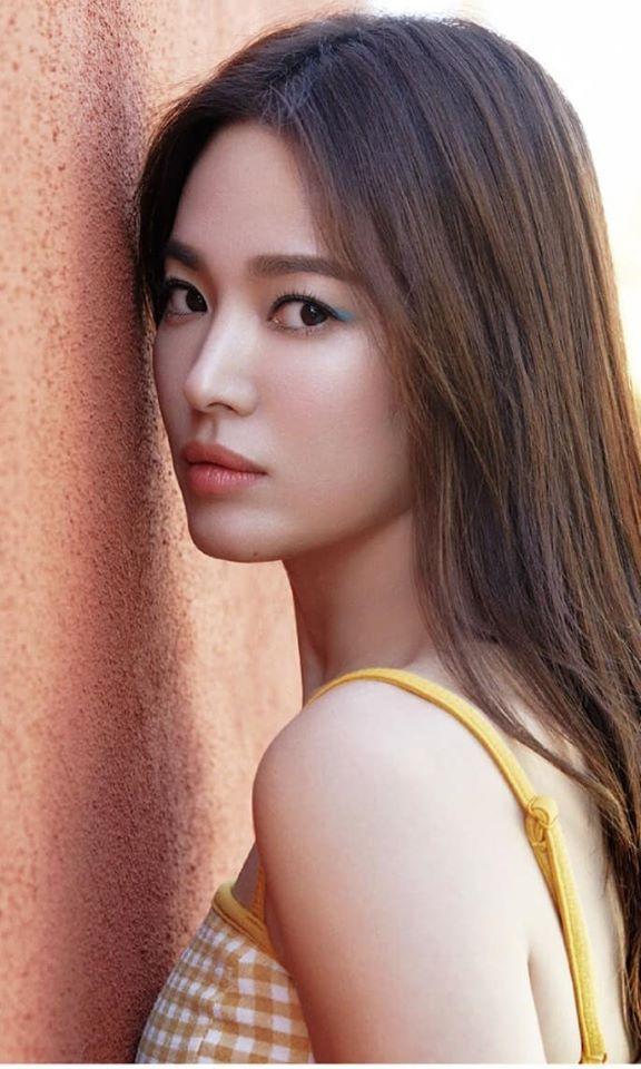 Song Hye Kyo hack tuổi trong bộ ảnh mới, dung nhan xinh đẹp đến nao lòng-1