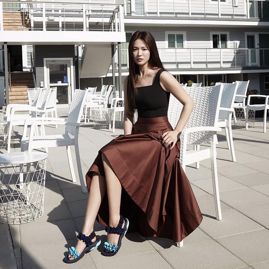 Song Hye Kyo hack tuổi trong bộ ảnh mới, dung nhan xinh đẹp đến nao lòng-10