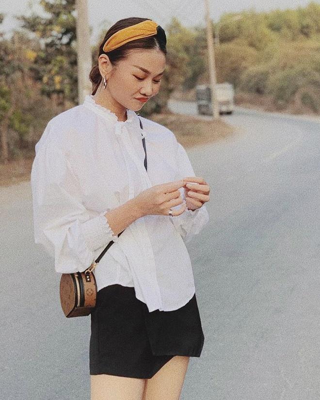 Tăng Thanh Hà, Khánh Linh và cách mặc áo sơ mi trắng đẹp mỗi ngày-1