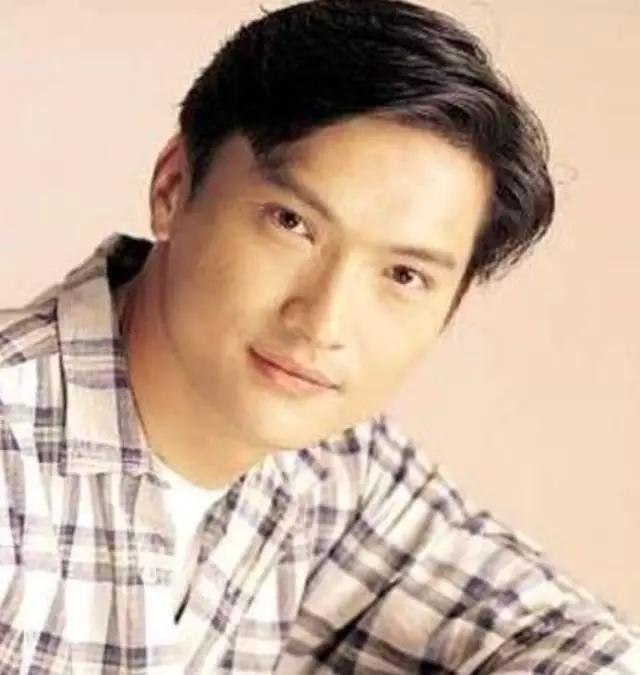 Nam thần TVB một thời lừng lẫy: Bỏ danh vọng về chăm con tự kỷ, hối hận vì để mất Tuyên Huyên-1