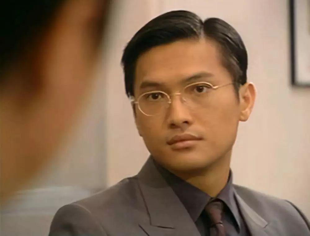 Nam thần TVB một thời lừng lẫy: Bỏ danh vọng về chăm con tự kỷ, hối hận vì để mất Tuyên Huyên-2