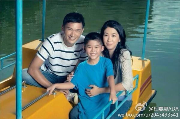 Nam thần TVB một thời lừng lẫy: Bỏ danh vọng về chăm con tự kỷ, hối hận vì để mất Tuyên Huyên-4