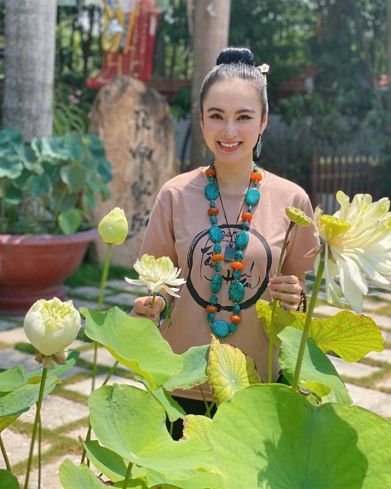 Angela Phương Trinh mặc full set đồ bảo hộ phòng dịch đi siêu thị mua đồ chuẩn bị 15 ngày cách ly-7
