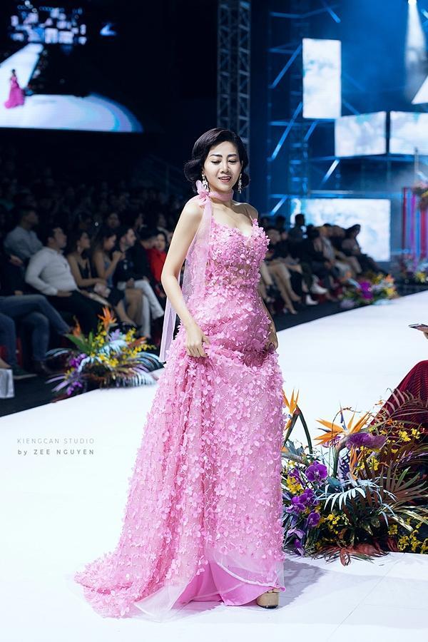 Đấu giá chiếc váy Mai Phương từng trình diễn gây quỹ hỗ trợ bé Lavie-2