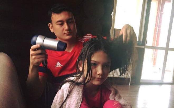 Đặng Văn Lâm buồn chán chơi game cho qua dịch, dân mạng réo gọi tên Yến Xuân-3