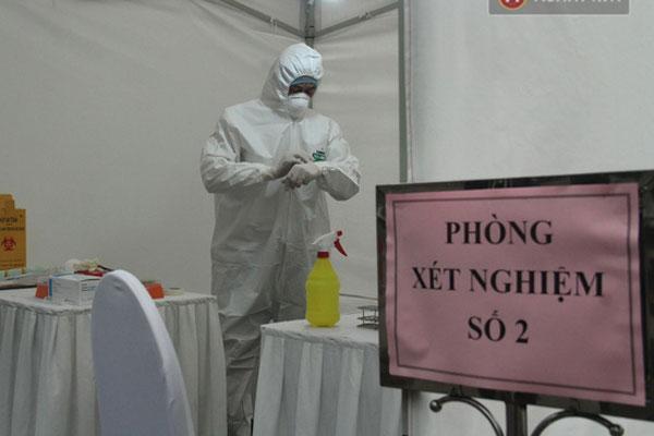 3 mẫu bệnh phẩm nghi nhiễm Covid-19 qua test nhanh ở Hà Nội cho kết quả âm tính-1