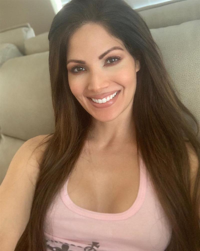 Bản tin Hoa hậu Hoàn vũ 1/4: Nụ cười HHen Niê lệch chuẩn nhất top 5-8