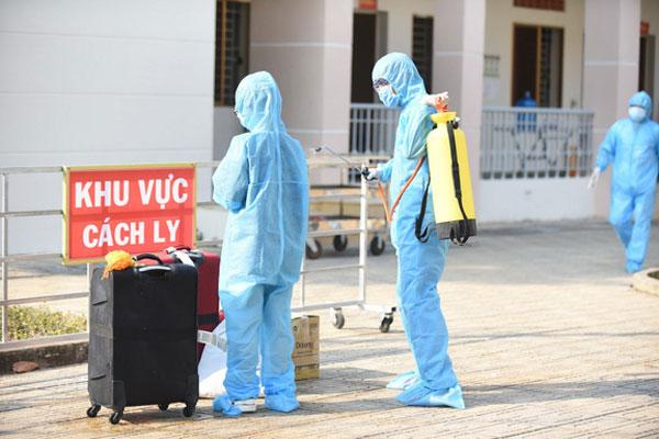 Thêm 6 ca mắc COVID-19 nâng tổng số lên 218, 2 người thuộc Cty Trường Sinh, 1 người tới khám tại BV Bạch Mai-1