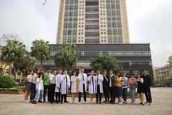 Tập thể lớp tại ĐH Y Dược Thái Bình viết đơn xin tham gia chống dịch