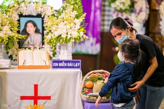 'Nghệ sĩ muốn lập quỹ giúp đỡ bé Lavie sau khi Mai Phương qua đời'-1