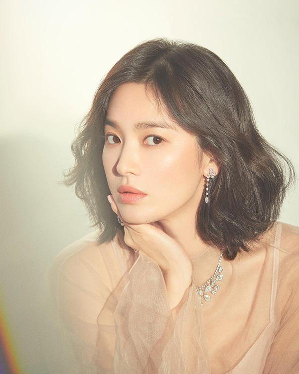 Bị cho là phủ sạch mối quan hệ với Song Joong Ki, Song Hye Kyo chiếm lĩnh Top 5 tin bị phẫn nộ nhiều nhất trên Naver-2