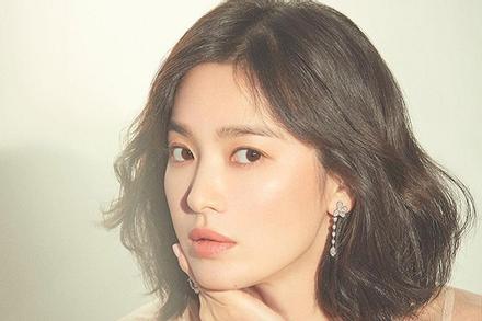 Bị cho là phủ sạch mối quan hệ với Song Joong Ki, Song Hye Kyo chiếm lĩnh Top 5 tin bị 'phẫn nộ' nhiều nhất trên Naver