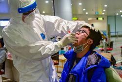 Bộ Y tế công bố TIN VUI: 2/4 bệnh nhân nặng đã có kết quả xét nghiệm âm tính 2 lần với Covid-19