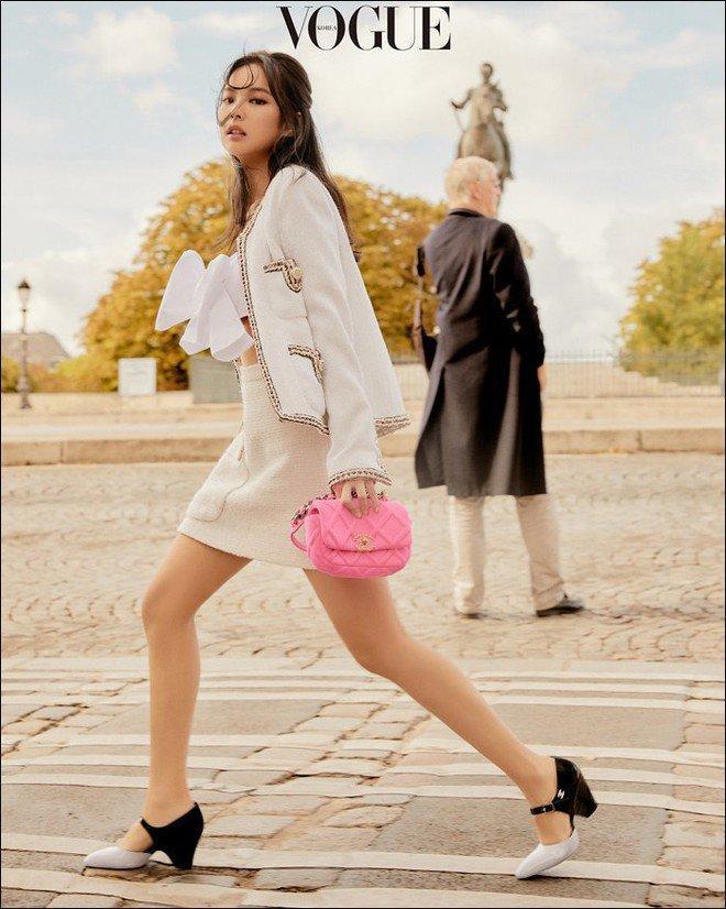 Ngọc Trinh - Phượng Chanel bái phục tài mix đồ của Lan Ngọc - Jennie khi đụng hàng giày 35 triệu-5